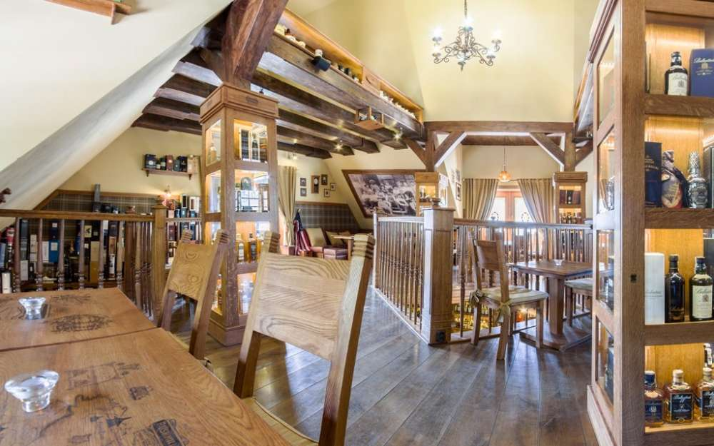 Dom Whisky bar